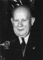 Albin Makowski (1908-1982), prawnik, działacz spoleczny, w latach 1947-1962 przewodniczący Rady Nadzorczej